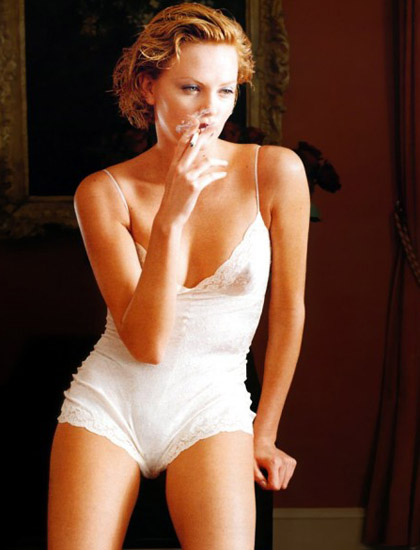 http://www.rochardsbunnyranch.com/blog/wp-content/uploads/2007/10/sexy_charlize_theron05.jpg