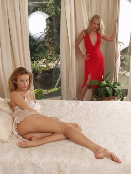 sexy-lesbians1-1.jpg