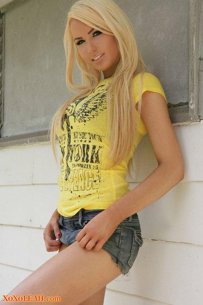 xoxoleah-blonde teen yummy
