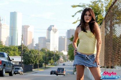 shyla-jennings-sexy-skirt1.jpg