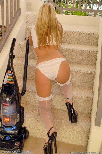 sexy sluty french maid1