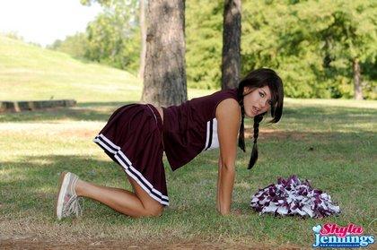 shayla jennings cheerleader3