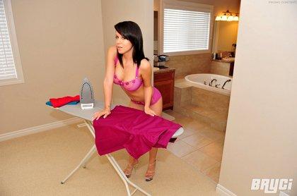 bryci sexy babe ironing3
