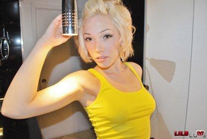 lilly_luvs_perky_blonde_teen2.jpg