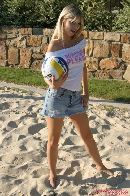 jana rocks vollyball