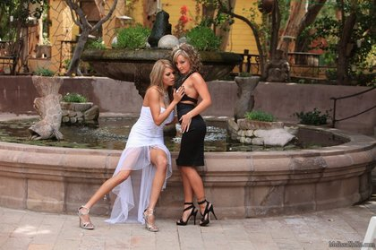 melissa xoxo lesbians in sexy-dresses1