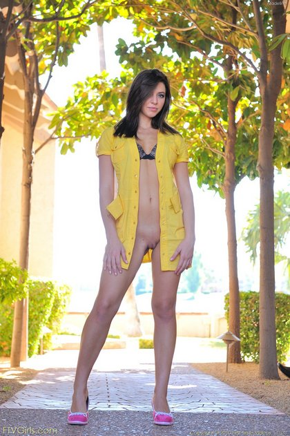 naked burnette hottie