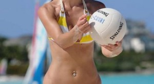maria_menounos_bikini