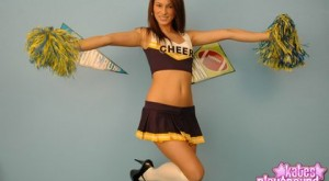 kate-grounds-sexy-teen-cheerleader5