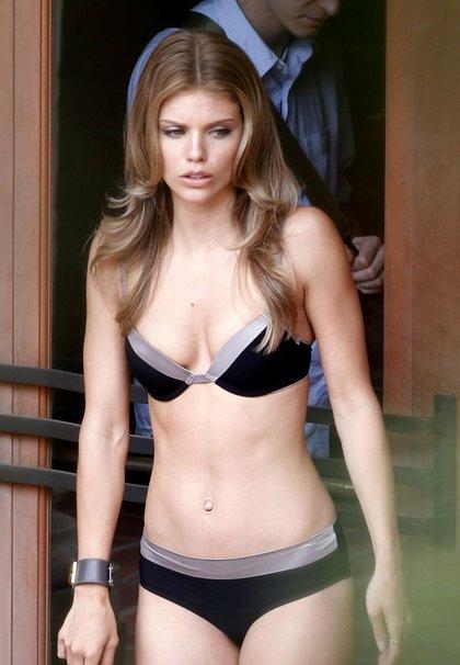AnnaLynne-McCord-hot bikini1