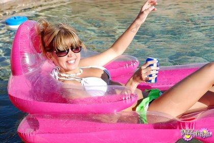 diddy_bikini_pool.jpg
