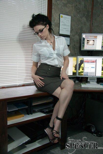 harley spencer hot office babe2
