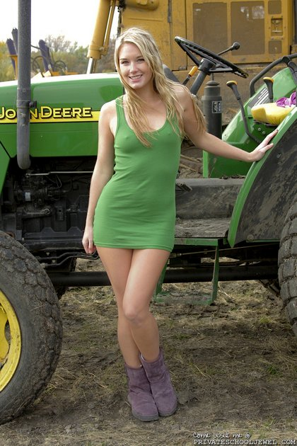 jewel_tractor_girl1.jpg