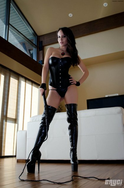 bryci_leather_boots_whip001.jpg