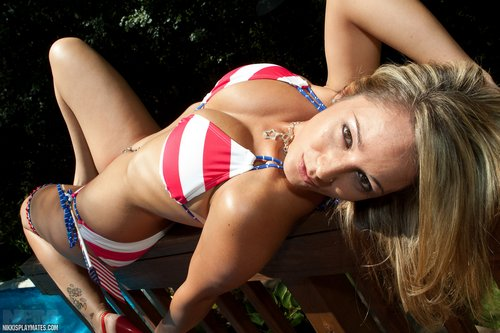 nikki_sims_flag_bikini.jpg