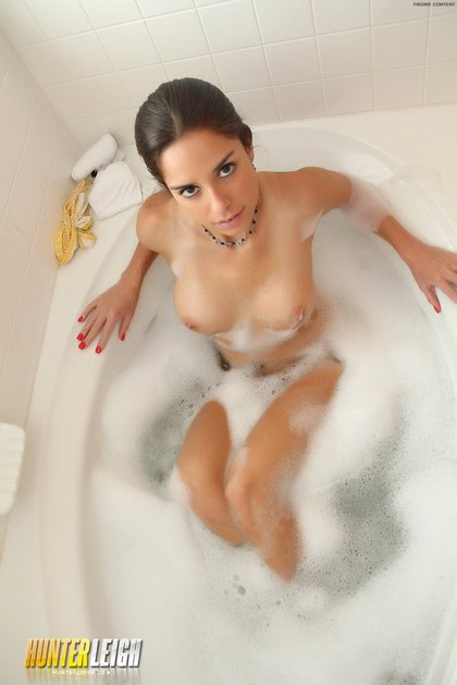 hunter leigh bubble bath