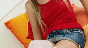 jewel_sexy_white_stockings_2.jpg