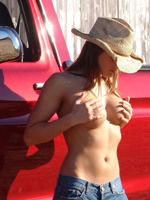 misty-anderson-farmers-daughter-ford-truck09