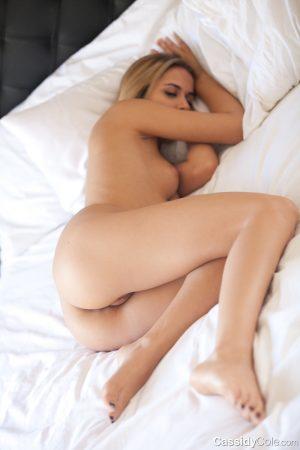cassidy_cole_sleeping_naked_1