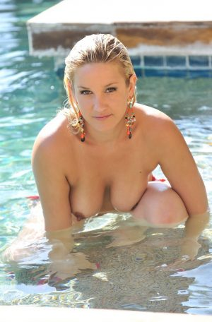 lia-19-gets-naked-by-the-pool06